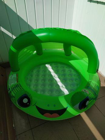 Basenik zielony żabka