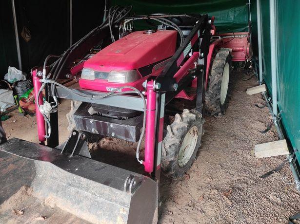 Ciągnik traktorek Mitsubishi mt 155. Ładowacz i glebogryzarka.