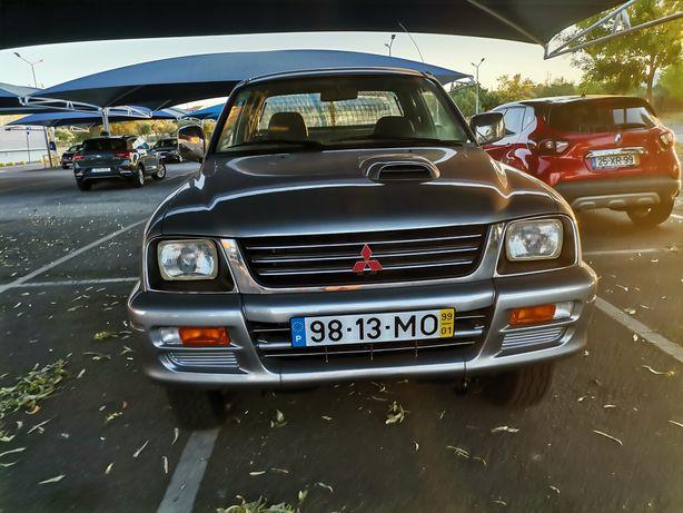 Mitsubishi L200 4x4  de 4 lugares /1 registo /Toda recondicionada