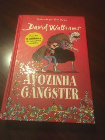 """Livro """"A avozinha gangster"""""""