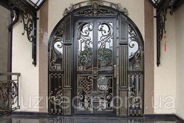 Входные металлические двери с кованым рисунком. Эксклюзивный вариант.
