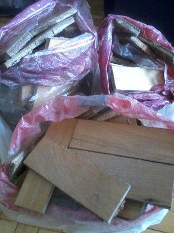 zerwane parkietowe klepki w kolorze buku wymienię na nową podłogę