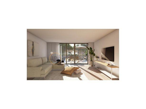 Apartamento T3 com jardim em Paranhos