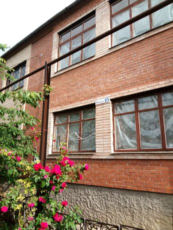 Продаю 2-х этажный дом с. Ивановское, Бахмутского района Донецкой обл
