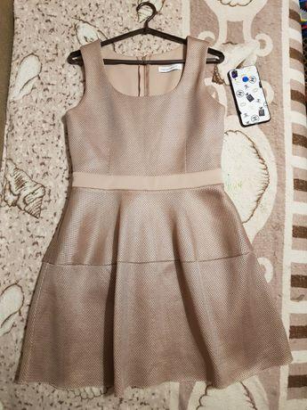Продам женское платье Итальянское недорого