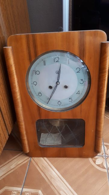 Zegar stary z wahadłem