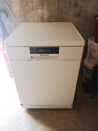Maquina de lavar loica Meireles