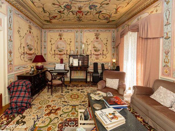 Vende-se fantástica casa senhorial na cidade património M...