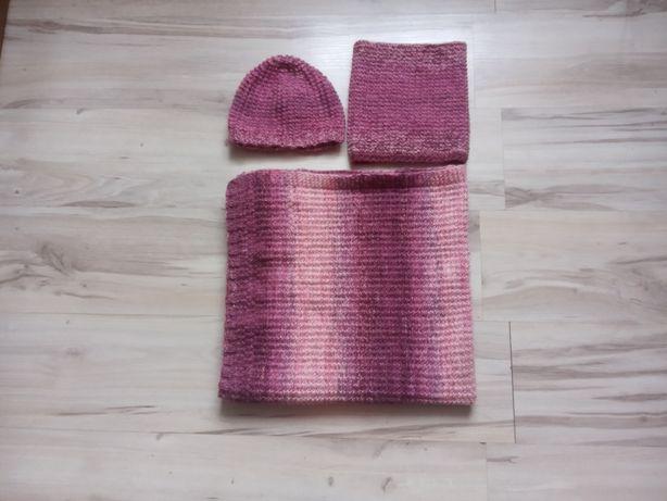Komplet melanż bordowy z różem ręcznie robiony na drutach.