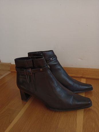 Ботинки кожаные 38