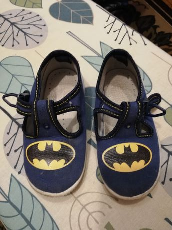 Buty, pantofle r. 25