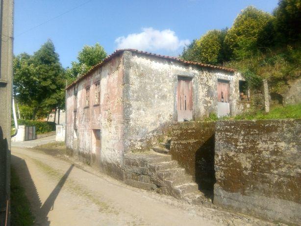 Casa em pedra para restaurar