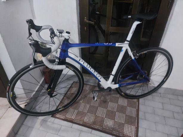Bicicleta em carbono Peugeot. Com quadro novo. Grupo dura ace shimano