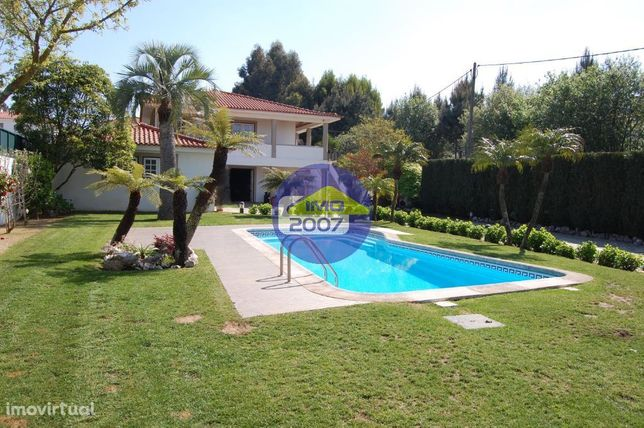 Moradia de luxo com piscina próxima da Feira