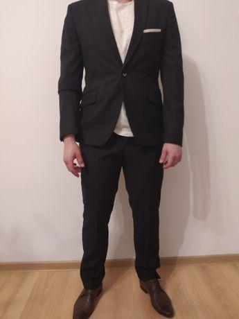 Czarny garnitur męski jak nowy !