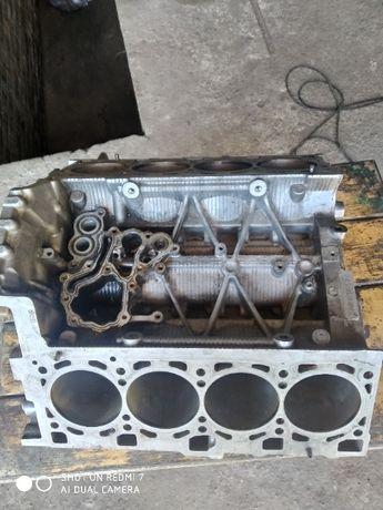 Двигателя и запчасти к ним на Audi Q7 4.2 BAR