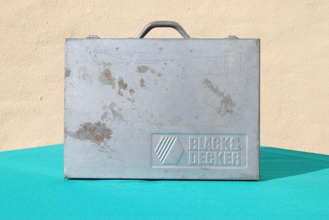 Antiga mala de transporte em Metal Black & Decker Vintage