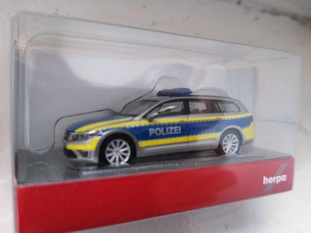 Volkswagen Passat B8 POLIZEI - Herpa