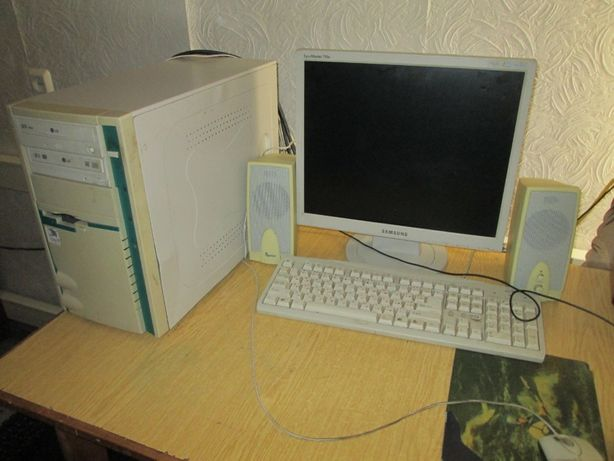 компьютер пент. 4, 2.660 мгц/монитор, клава ,мышь, динамик/