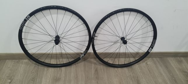 Rodas dt swiss xrc 1501 carbono , roda 29