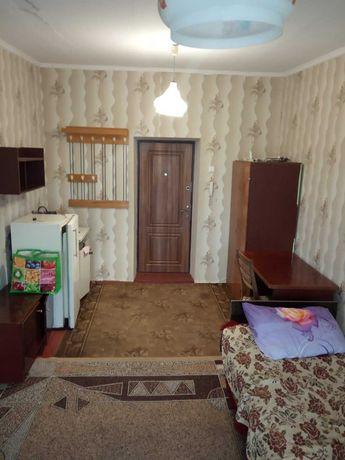 Продаётся большая комната в общежитии. Цена 6500уе.