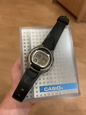 Часы CASIO LW-200