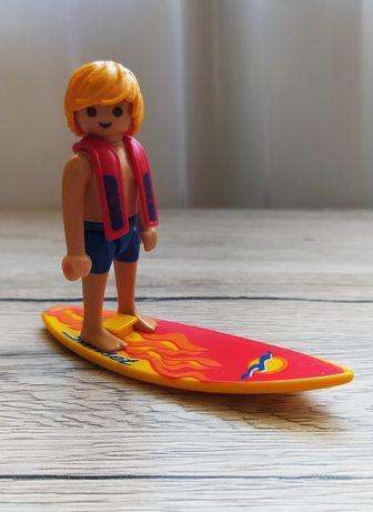 1. PLAYMOBIL - figurka :)