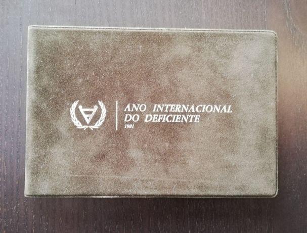 Ano Internacional do deficiente.100$00 e 25$00. Carteira BNC
