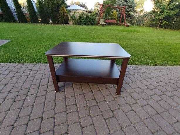 Elegancki stolik pokojowy