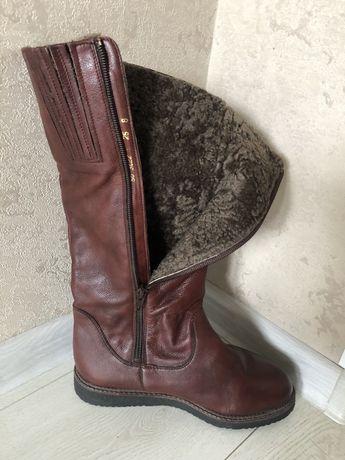 Продам нові зимові чоботи , не підійшов розмір. 37