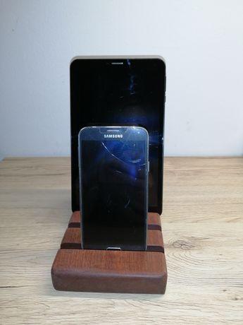 Podstawki na tablet i telefon