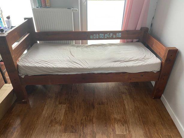 Łóżko z litego drewna dziecięce