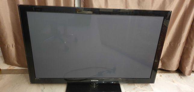"""TV Samsung Plasma 50"""" avariada para reparação/peças"""