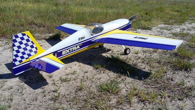 "Samolot RC - Extra 260 E-Flite używany, pusty. 43"" (110cm)"