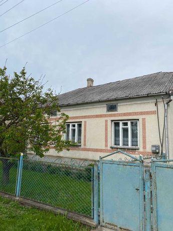 Продам будинок із садом в місті Радивилові