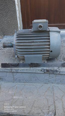 Електродвигун 5.5 kw 950 об.