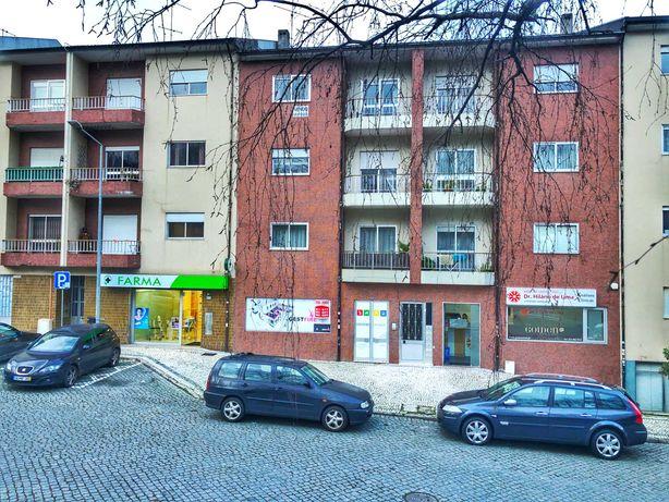 LOJA ou ARMAZEM com 95m2 + garagem 44m2