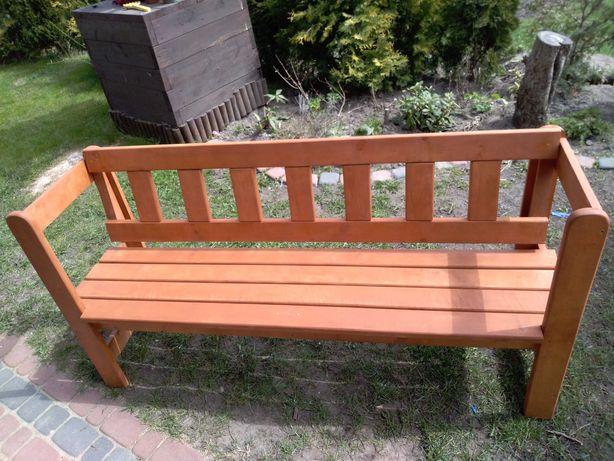 Meble ogrodowe, ławka z litego drewna olchowego, stół, stolik, donice.