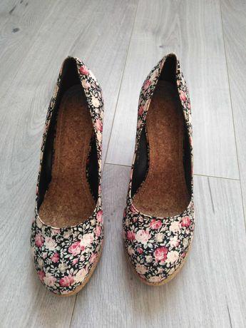 Buty koturny w kwiaty rozmiar 39