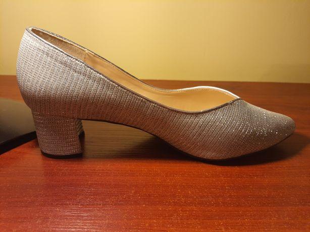Buty ślubne r.42 szerokie