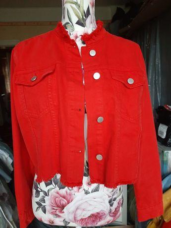 Kurtka jeansowa czerwona NA-KD 38