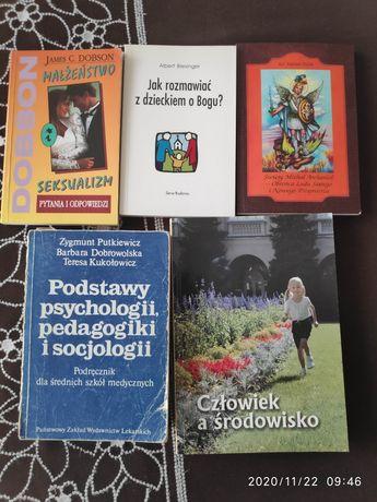 Książki, każda po 5 zł