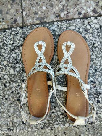 Buty na lato sandały damskie , białe, cyrkonie, kryształki r.39
