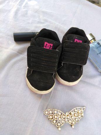 Скидка на 24 часа!!150 гр!!!Детские кроссовки,для девочки,черные