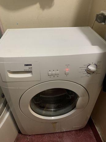 Рабочая стиральная машина Zanussi Slim ZWS 1101