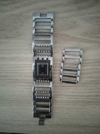 Relógio Swatch caixa metálica quadrada