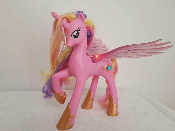 My Little Pony Księżniczka Cadance kucyk MÓWI świeci interaktywna
