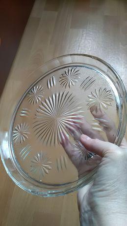 Patera szklana okrągła, śr 24 cm, płaska z ladnym wzorem, czasy PRL