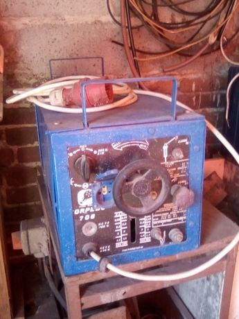 spawarka prostownikowa płynna regulacja 180A 230v.400v