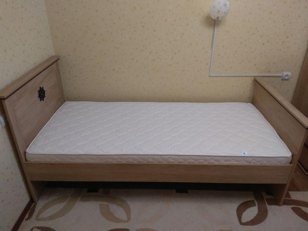 Продам кровать деревянную